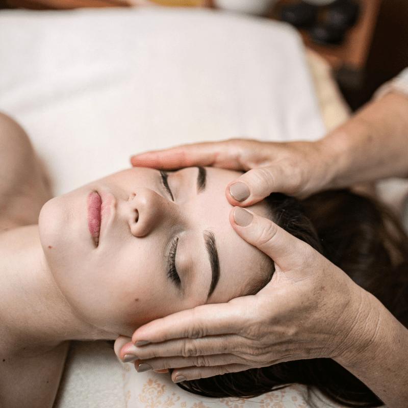 Shiatsu Facial: técnica de massagem que combate o envelhecimento